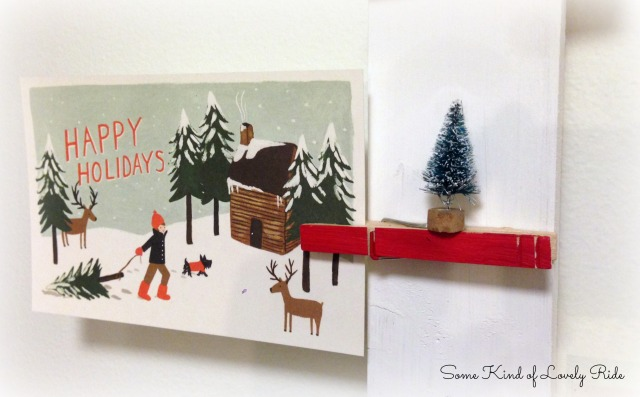 HolidayCardDisplay